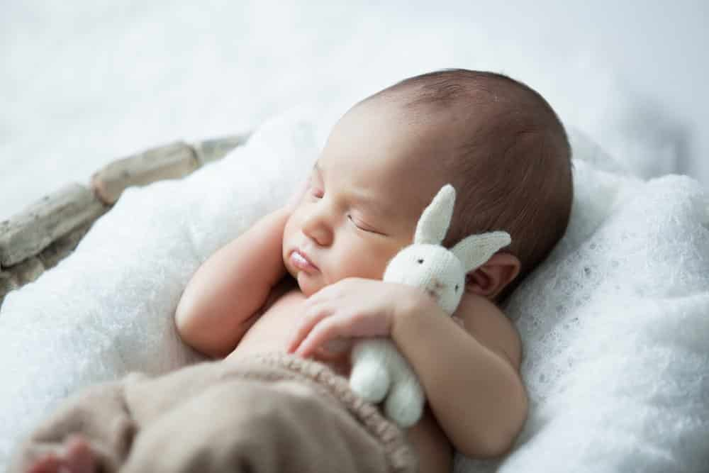 Tips for beautiful baby photography on budget