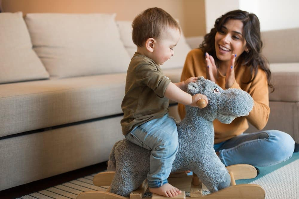 How to survive on one income and be a SAHM