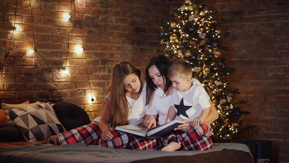Tips for getting your children to sleep on Christmas Eve