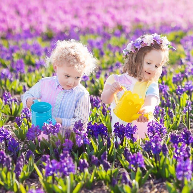 Gardening toddlers - low prep outdoor activity